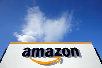 During the 6-day Great Indian Festival sale, Amazon is offering up to 50% off on mobile phones, additional cashbacks, exchange offers, no cost EMI and free screen protection. Photo: Reuters