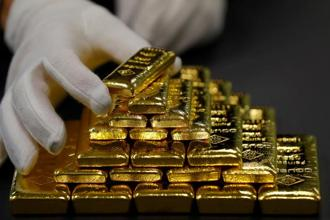 Under the scheme, gold bonds will be issued on October 23. Photo: Reuters