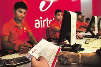 Airtel has set its minimum recharge plan at ₹35 per month and will not anymore compete in the feature phone market, a demography Reliance Jio has targeted with its Jio Phone and low tariffs. Photo: Priyanka Parashar/Mint