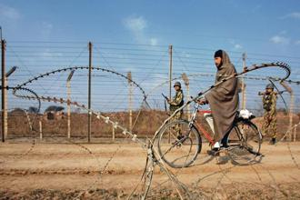 A file photo of soldiers patrolling the border with Pakistan near Jammu. Photo: Reuters