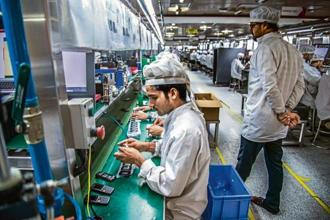 The World Bank calculates that a 1% increase in growth in India resulted in 540,000 more jobs on average. Photo: Pradeep Gaur/Mint
