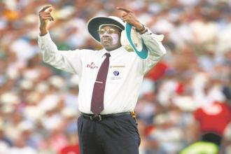 Former umpire Steve Bucknor of the West Indies. Photo: Getty Images
