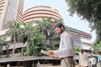 DIIs invested a net of Rs1.06 trillion while foreign institutional investors (FIIs) have pulled out a net of $4.91 billion in Indian equities. Photo: Mint