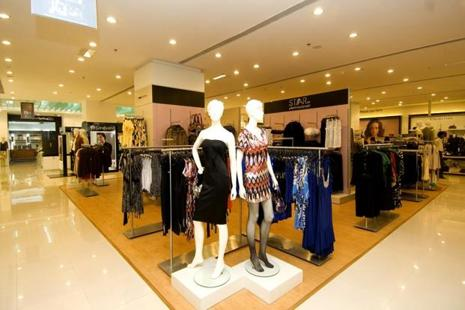 Surprisingly, in a market like India where luxury in bricks-and-mortar retail has been facing challenges and struggling to expand, the online model is full of possibilities. Photo: Mint