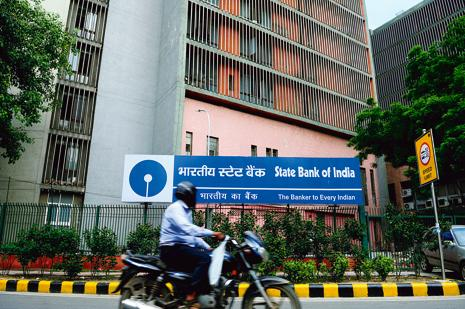 SBI's ratio of gross non-performing asset (NPA) as a share of gross advances stood at 5.1%, higher than the 4.15% reported in the July-September quarter. Photo: Pradeep Gaur/Mint