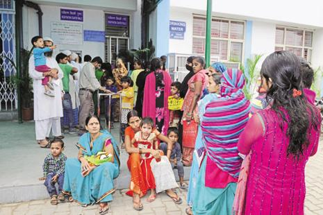 Patients line up at the Aam Aadmi polyclinic at Kanti Nagar, inaugurated in November. Photo: Sonu Mehta/Hindustan Times