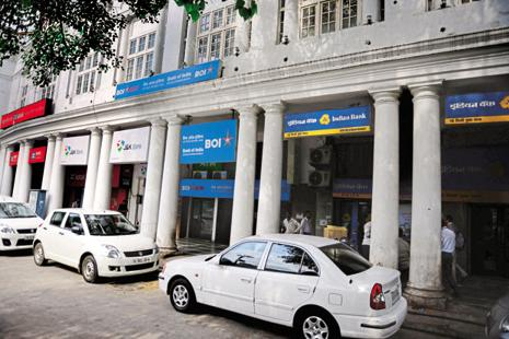 Rising bad loans pushed Indian Bank's provisioning costs up 94 % to Rs718 crore. Photo: Pradeep Gaur/Mint