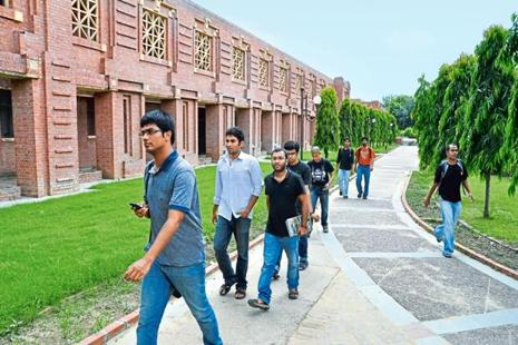 IIM Kozhikode hiked tuition fees by 23.1%, IIM Trichy by 20%, IIM Ranchi by 19% and IIM Calcutta by 17.3%. Photo: Hindustan Times