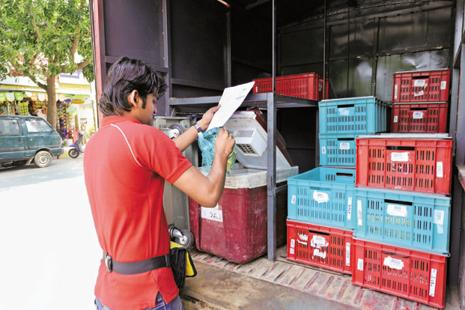 Hyperlocal delivery start-ups have been struggling to build a sustainable business model because of poor unit economics, given that commission from merchants barely pays for the cost of delivery. Photo: Hemant Mishra/Mint