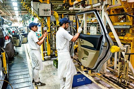 Indian economy grew 7.9% in March quarter and recorded a five-year high growth rate of 7.6% for the 2015-16 fiscal on robust manufacturing growth. Photo: Bloomberg