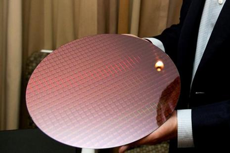 7th Gen Intel Core processors are manufactured on silicon wafers.