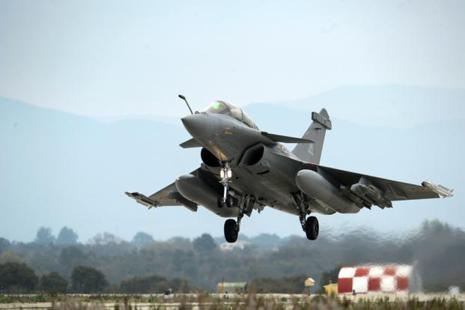 French government has made a 30% offset commitment for military aerospace research and development programmes and the rest 20% for making components of Rafales in India. Photo: AFP