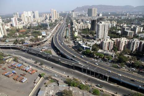 The Thane-Belapur stretch currently offers one of the cheapest rental rates at around Rs50-55 as compared to other IT hubs like Pune, Bengaluru and Gurgaon. Photo: Praful Gangurde