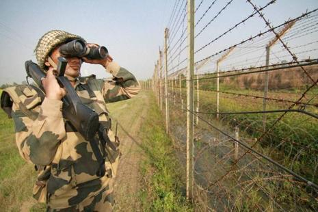 File photo.There have been over 40 incidents of ceasefire violations by Pakistani troops since India carried out surgical strikes in Pakistan-occupied-Kashmir after the Uri terror attack in which 19 Indian soldiers were killed. Photo: PTI