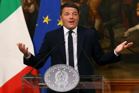 Italian Prime Minister Matteo Renzi speaks during a media conference after a referendum on constitutional reform at Chigi palace in Rome on 5 December 2016. Photo: Reuters