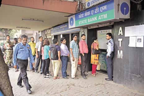 About 95% of the ATMs in India have been recalibrated to dispense new Rs500 and Rs2000 notes. Photo: Indranil Bhoumik/Mint