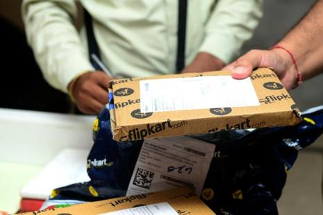 Demonetisation has reversed the nascent recovery in e-commerce after Flipkart and Amazon India posted record sales during the festive season. Photo: Ramesh Pathania/Mint