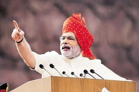 File photo. PM Modi thanked people of India for joining hands with the mega campaign of demonetization. Photo: Hindustan Times