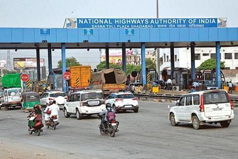 Those with a larger mix of engineering, procurement and construction orders may be better off during the quarter than those with exposure to toll revenue. Photo:  Hindustan Times