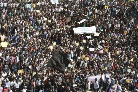 Jallikattu protests at Kamarajar Salai, Marina Beach in Chennai on Wednesday. Photo: PTI