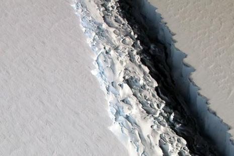 The Nasa photo shows what scientists on Nasa's IceBridge mission photographed in a view of a massive rift in the Antarctic Peninsula's Larsen C ice shelf on 10 November 2016. Photo: AFP/Nasa