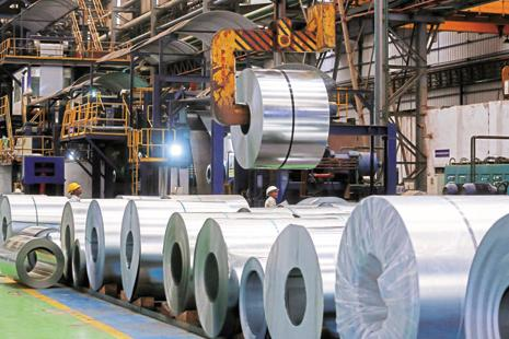 Steel consumption in India grew 3.3% to 61.5 million tons from a year earlier in the Apr-Dec period, while output jumped 10.5% to 73.8 million tons, according to steel ministry data. Photo: Bloomberg