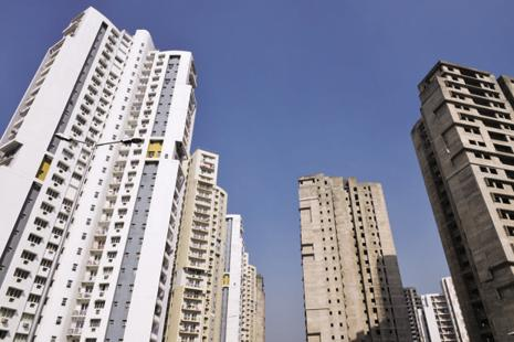 Developers  are now making last-ditch efforts to close sales in the March quarter. Photo: Indranil Bhoumik/Mint