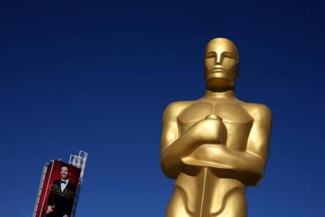 An Oscar statue is seen outside the Dolby Theatre as preparations continue for the 89th Academy Awards in Hollywood, Los Angeles, on Thursday. Photo: Reuters