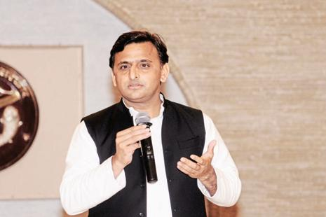 Uttar Pradesh chief minister Akhilesh Yadav took a jibe at PM Narendra Modi saying that despite serving as Gujarat CM for three terms he couldn't get a metro there. Photo: Hindustan Times