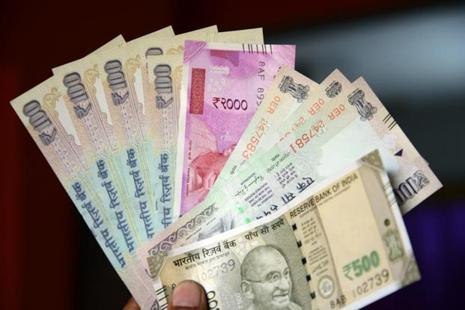 Overseas investors' holdings of Indian stocks and bonds have also picked up, rising more than $8 billion in 2017. Photo: Mint