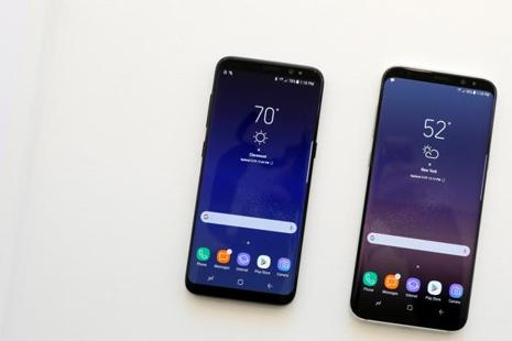 Samsung Galaxy S8 comes in two sizes, a standard 5.8-inch display model and a Plus version with a 6.2-inch screen. Photo: Reuters