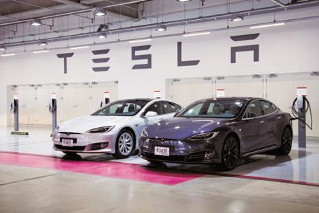 Sales of electric-luxury Teslas are barely affected by the loss of the US tax credit. Photo: Bloomberg