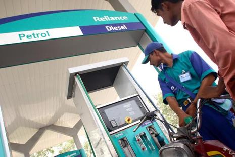 RIL currently has 1,221 out of the 1,470 filling stations operational so far. Photo: Bloomberg