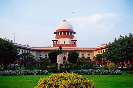 In April 2013, the Supreme Court had ordered that all sales of iron and manganese ores in Karnataka should be only through e-auctions that will be monitored and overseen by the CEC. Photo: Mint