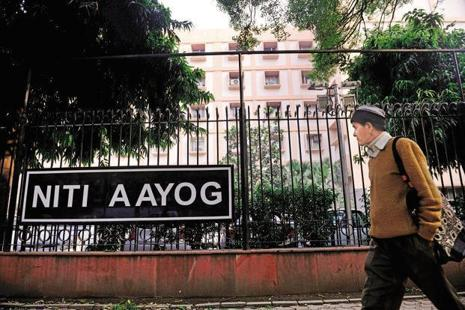 In its draft report on a three-year action agenda made public recently, the Niti Aayog has set a target of full- digitisation of governance-related works by the end of 2018- 19. Photo: Pradeep Gaur/Mint