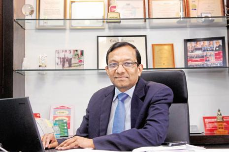 Mahindra MD Pawan Goenka says the firm plans to ramp up production of its electric vehicles to 5,000 units a month by mid-2019 from 400 units currently. Photo: Mint