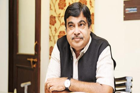 Nitin Gadkari will donate an amount of Rs1.01 crore—colleted and presented to Gadkari by all BJP MPs, Maharashtra MLAs—to over 100 charity organisations. Photo: Ramesh Pathania/Mint