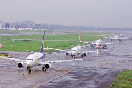 The Delhi airport terminals can handle 62 million passengers annually at present. In 2016-17, it handled 57.7 million passengers. Photo: Hindustan Times