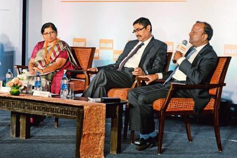 (From left) Canara Bank executive director P.V. Bharathi, Lakshmi Vilas Bank managing director and CEO Parthasarathi Mukherjee and State Bank of India MD Rajnish Kumar at Mint's Annual South India Banking Conclave.