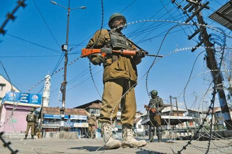 The restrictions have been imposed in the police station areas of Khanyar, Nowhatta, Rainawari, M.R. Gunj, Safa Kadal, Maisuma, Kral Khud and Ram Munshi Bagh. Photo: Hindustan Times