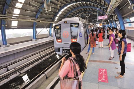 Delhi Metro's non-executive staff have been protesting since Friday  against the management's alleged failure in implementing a two-year-old decision to upgrade their pay scales. Photo: Priyanka Parashar/Mint