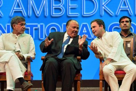 Martin Luther King III (centre), Congress vice-president Rahul Gandhi and Nobel Laureate and human rights activist Kailash Satyarthi in Bangalore on Friday. Photo: Manjunath Kiran/AFP