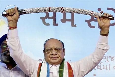 Shankarsinh Vaghela at a public meeting of his supporters on his 77th birthday, where he announced he was expelled from the Congress, in Gandhinagar on Friday. Photo: PTI