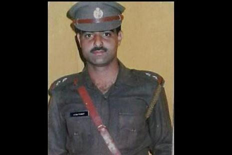 DSP Mohd Ayub Pandith was lynched outside Jamia Masjid in Nowhatta area of Srinagar on 22 June. Photo: PTI