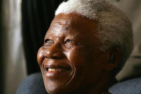 Nelson Mandela's doctor, Vejay Ramlakan, details the end of his life in the controversial book. Photo: AP