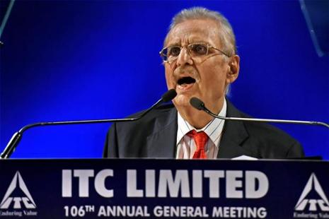 ITC chairman and non-executive director Yogesh Chandra Deveshwar addresses company shareholders during 106th AGM in Kolkata on Friday. Photo: Swapan Mahapatra/PTI
