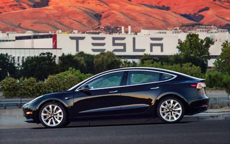 Tesla base Model 3's listed price is within striking distance of the average amount Americans have been paying for new vehicles in the US, which was $34,442 in June, according to Kelley Blue Book. Photo: AP