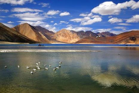 The Indian Army on Tuesday foiled an attempted Chinese incursion in Ladakh along the banks of the Pangong lake. Photo: AP