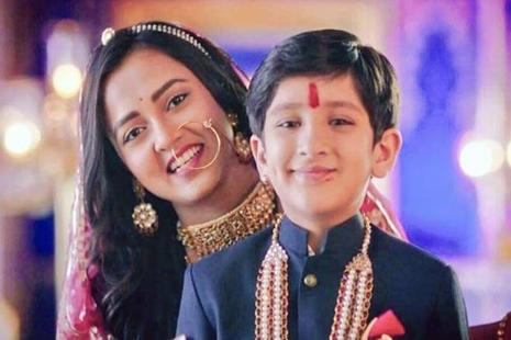 Pehredaar Piya Kiis a show about the marriage between a 9-year-old Rajput prince and an 18-year-old princess.