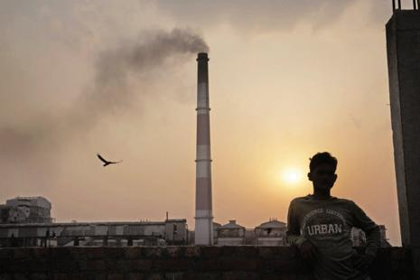 Under the Paris climate agreement, India has set an ambitious target of lowering the emissions intensity of its economy by 33-35% by 2030. Photo: Bloomberg